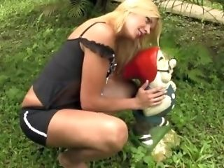 Big Ass, Blonde, Boobless, HD, Jerking, Latina, Masturbation, Outdoor, Pretty, Shemale,