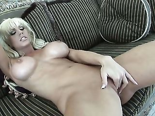 Big Natural Tits, Big Nipples, Big Tits, College, Dirty Dance, Fingering, HD, Jerking, Masturbation, Natural Tits,